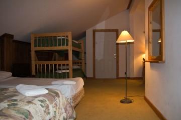 Loft Suite 05