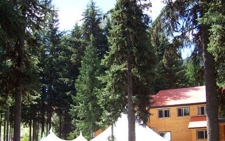 Outdoor wedding day at the Rams Head Inn at Red Mountain of the West Kootenays
